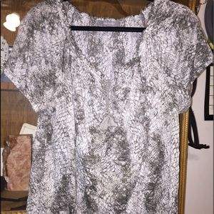 Daisy Fuentes Olive Printed Top